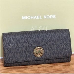 Michael Kors Flat Continental Wallet Brow Corn W